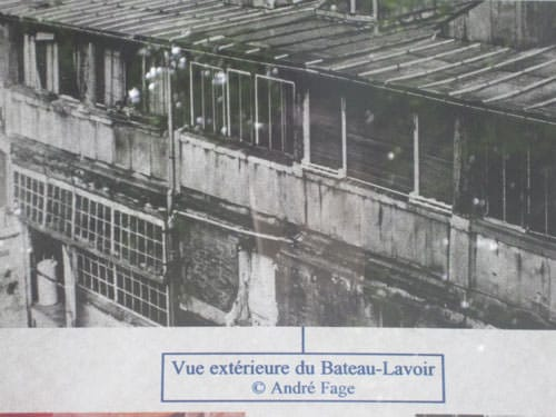 Bateau Lavoir - Garden side facade with the wooden gangway