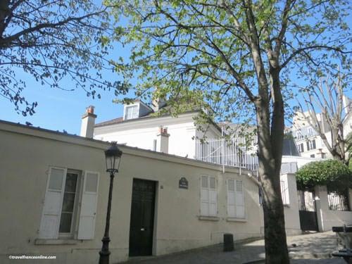 Bateau Lavoir today - Listed facade on Place Emile Goudeau