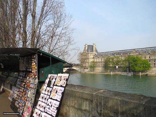 Bouquinistes near the Louvre Museum