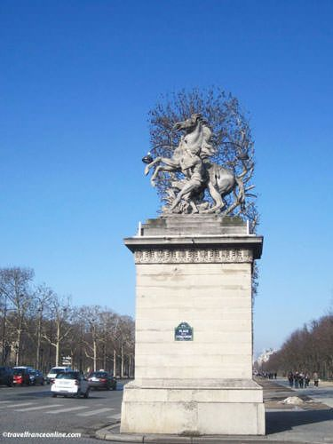 Chevaux de Marly on Champs Elysees