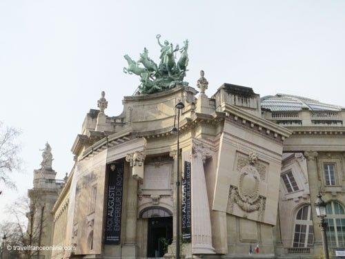 Grand Palais - Sculptural group on pediment
