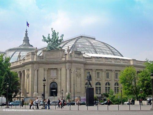 Grand Palais - Monumental porch on Champs-Elysées