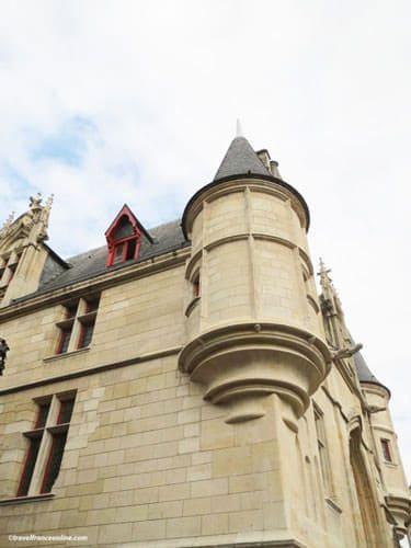 Hotel de Sens - Corner turret on main facade