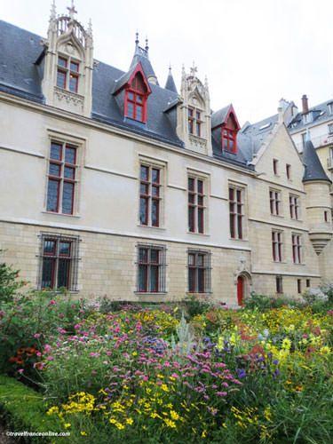 Hotel de Sens - Gardens open to the public