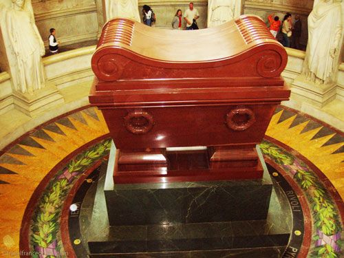 Hotel des Invalides - Napoleon's tomb in Dome Church crypt