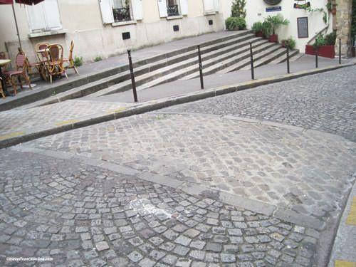 Ile de la Cite - Outline of the Gallo-Roman rampart in Rue de la Colombes