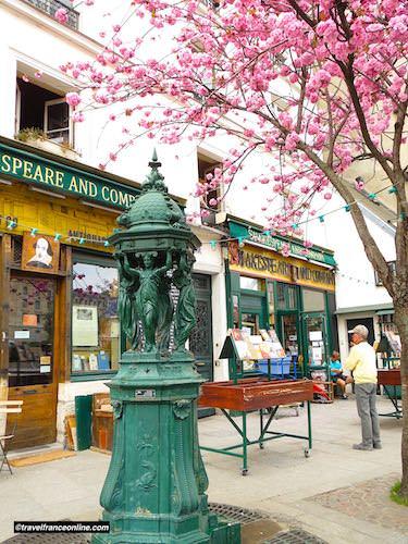 English bookshop Shakespeare in Rue de la Bucherie in Latin Quarter