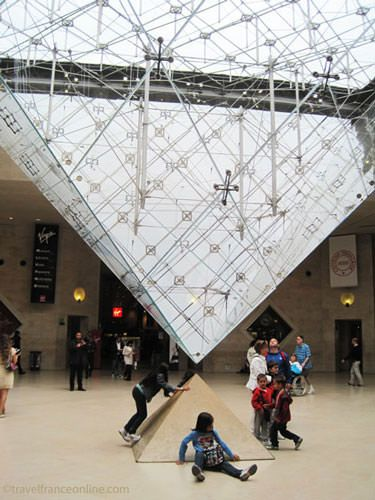 Louvre Museum - Inverted pyramid