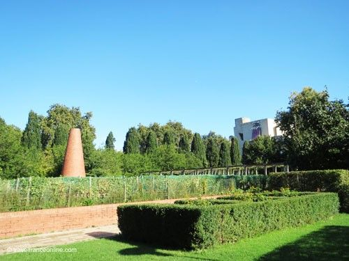 Vineyard La Treille in Parc de Bercy