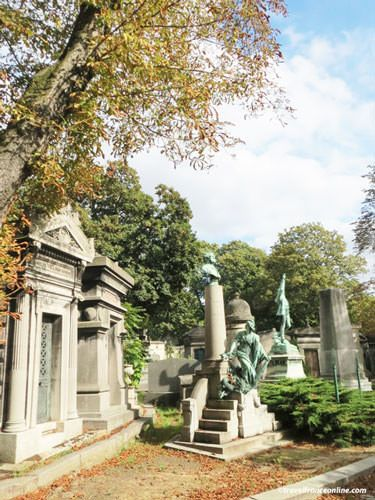 Pere Lachaise Cemetery old section