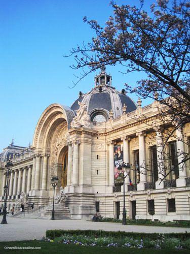 Petit Palais's main facade on Avenue Winston Churchill