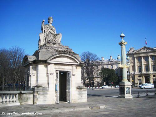 Place de la Concorde - Corner Pavilion representing the city of Brest