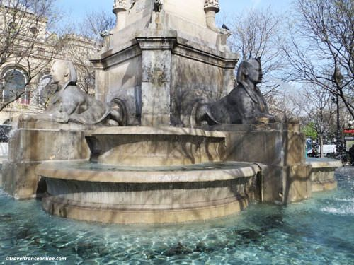 Place du Chatelet - Fontaine du Chatelet