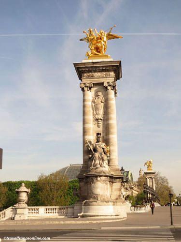Pont Alexandre III - Pegasus and Fame