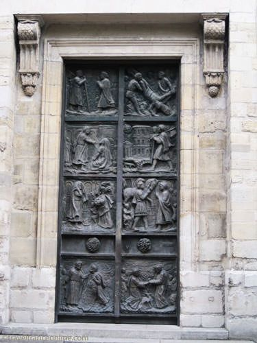 Saint Pierre de Montmartre Church - Door by Gismondi