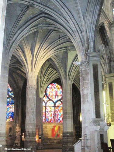 Saint Severin Church - Twisted pillar