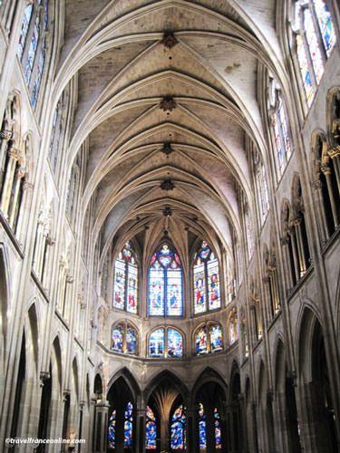 Saint Severin Church - Impressive dimensions of the nave