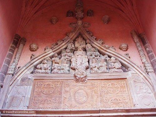 Belmont sur Rance - Gothic Flamboyant church porch