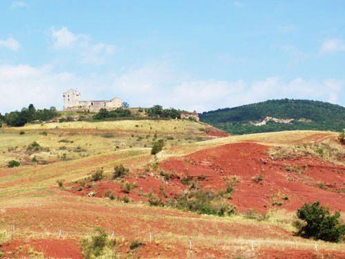 Chateau de Montaigut and Rougier de Camares
