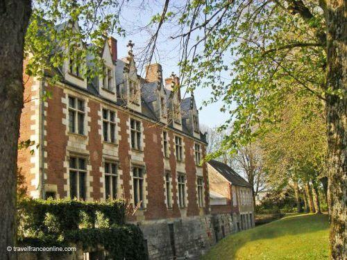 Chateau de Plessis les Tours - Rear facade