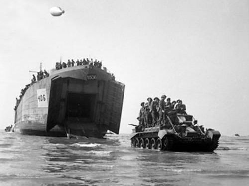 Gold Beach - Cromwell pursuit tank with men aboard
