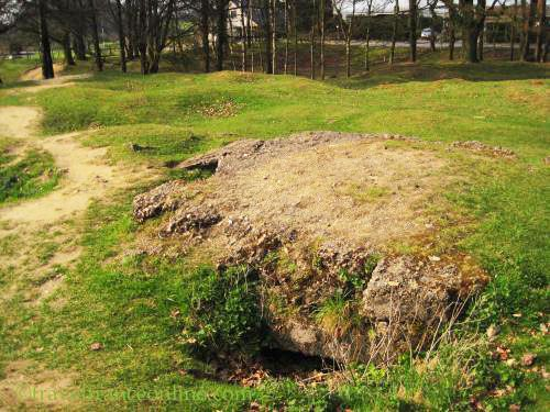 Hill 60 preserved in its war state - Ruined bunker