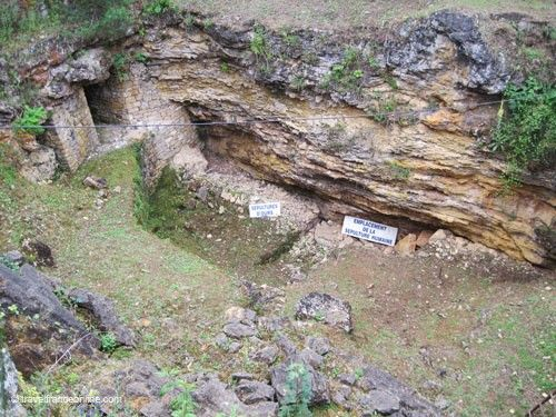 Le Regourdou site - Neanderthal and brown bears burial place