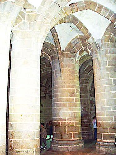 Mont St Michel Crypte des Gros Piliers