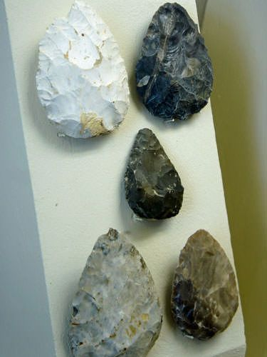 Le Moustier Neanderthal site - Mousterien tools artefacts