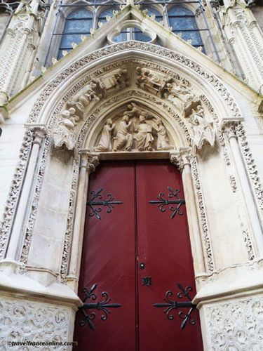 Notre Dame Cathedral - Porte Rouge