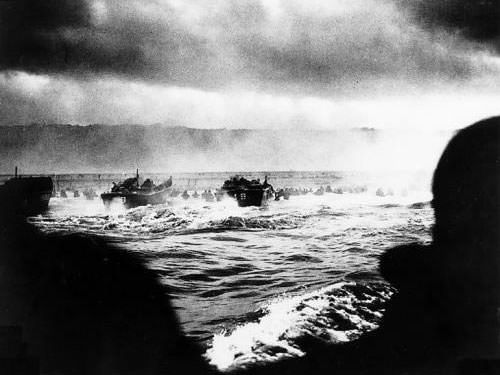 Omaha Beach - Landing craft putting troops ashore