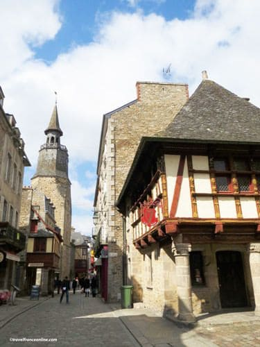 Rue de l'Horloge in Dinan - Tour de l'Horloge and Hotel de Keratry