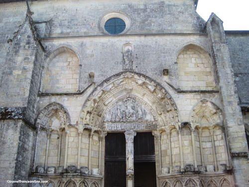 Collegiate Church Romanesque facade on Place Pioceau