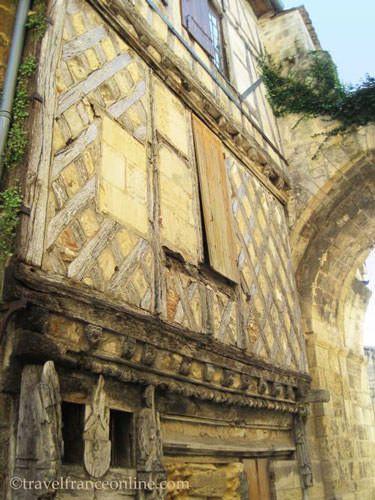Maison and Porte Cadène in Saint Emilion
