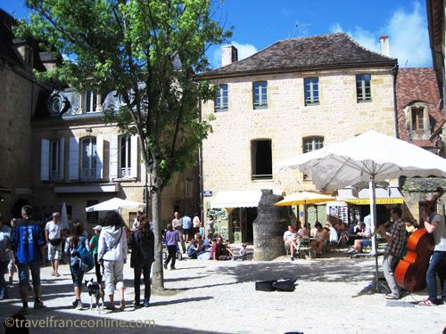 Cour des Fontaines in Sarlat