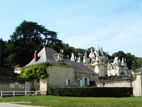 Usse Castle - Outbuildings