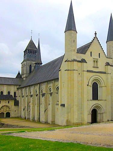 Fontevraud Abbey - Dome church