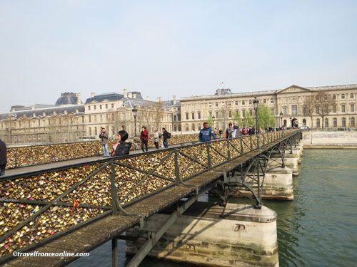 Love locks on Pont des Arts
