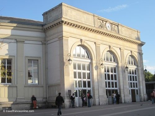 Embarcadere d'Enfer - RER and Metro stations entrance on Place Denfert Rochereau