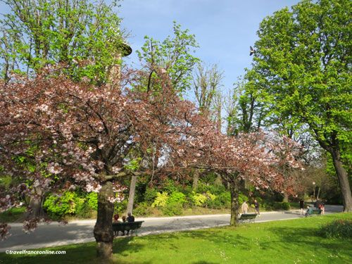 Parc Montsouris in spring