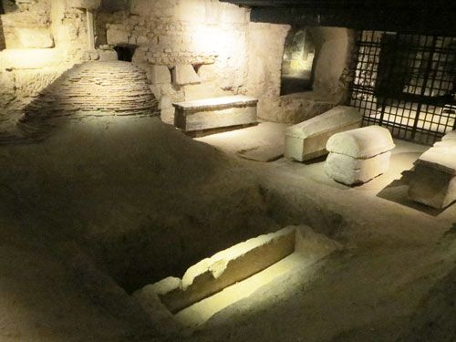 Saint Denis Basilique - Archaeological Crypt