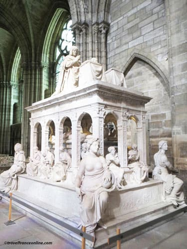 Renaissance monument of Louis XII and Anne de Bretagne in Saint Denis Basilique