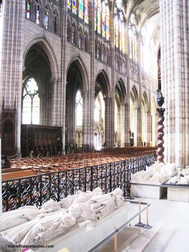 Kings' graves in Saint Denis Basilique