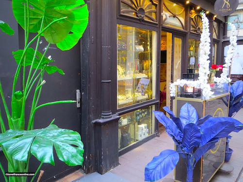 Trendy shop in Cour du Commerce Saint Andre