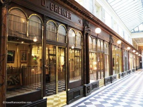 Galerie Vero Dodat - refined shop windows