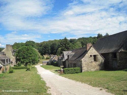 Forges de Paimpont - workers' cottages and furnaces