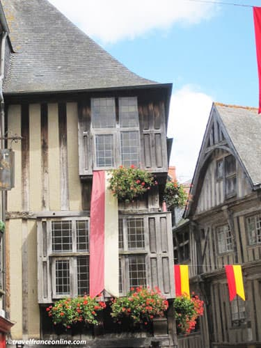 Half-timbered houses on Place des Merciers
