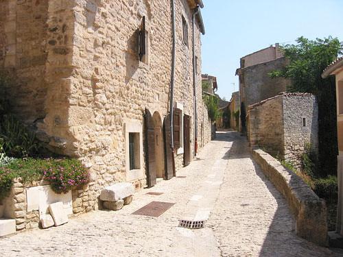 Village lane in Bonnieux