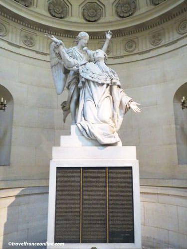 Chapelle Expiatoire - Statue of Louis XVI