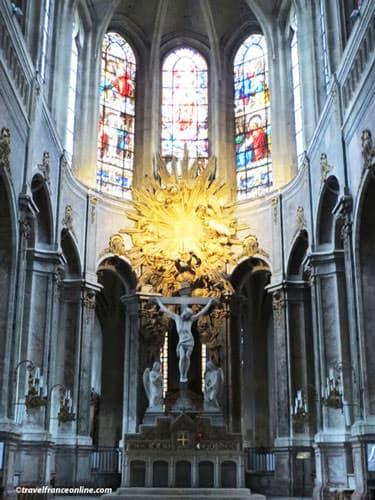 Lavish chancel in Saint-Merry Church